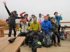 贈答・プレゼントにも。こだわり高級無添加 冷凍パスタソース専門店・おとりよせのナチュラルグレースメルカートのブログ 紅葉の涸沢登山に行ってきました!涸沢ヒュッテのテラス2 記念撮影
